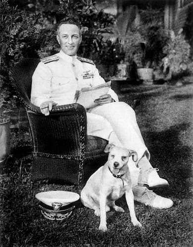 Admiral Byrd at home with Igloo